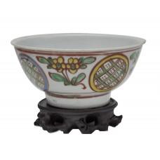 1117 A four colors flower bowl