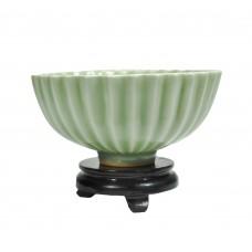 1149 A Song Longquan celadon bowl in lotus shape