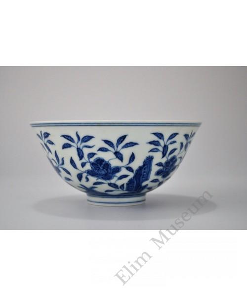 1493 A b&w rock & flowers pattern bowl