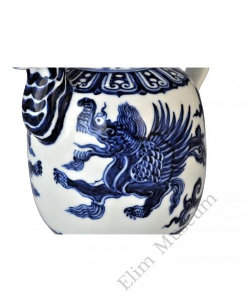 1549 A B&W winged dragon teapot