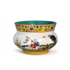1550 A Qing Fengcai playing kids vase