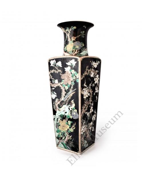 1567 An Wu-cai noire four seasonal flowers grand vase