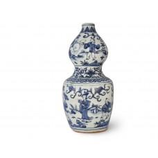 1569 A B&W Mother-Son gourd vase