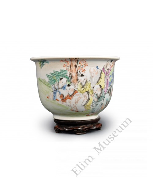 1583 A pair of late Qing  Qianjiang-cai pots with figures