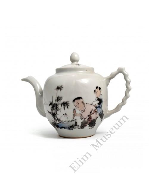 "1588  A teapot Fengcai of ""wild fun"""