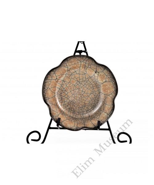 1590 A pair of Song Ge-Ware lotus rim blush washer