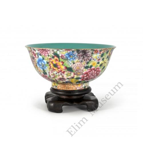 """1613 A Fengcai bowl decor with """"hundreds of flowers"""""""