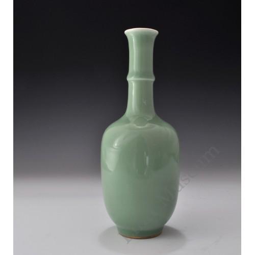 1655 A Pea-Green glaze long neck vase