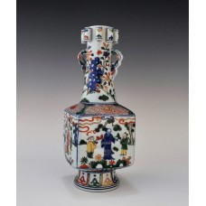 1660 A Wu-Cai square vase decor with figures