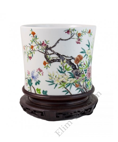 1013 A Fengcai brushpot pomegranate & floral