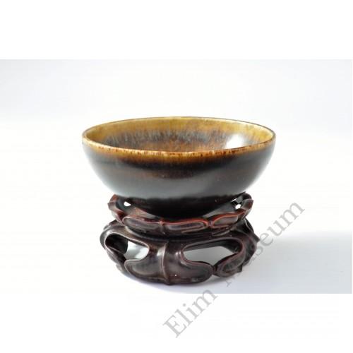 1757 A Jizhou-Ware hare fur brown tea bowl