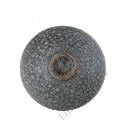 1180 A Song Dynasty Ge-Ware grey-blue glaze crackled bowl