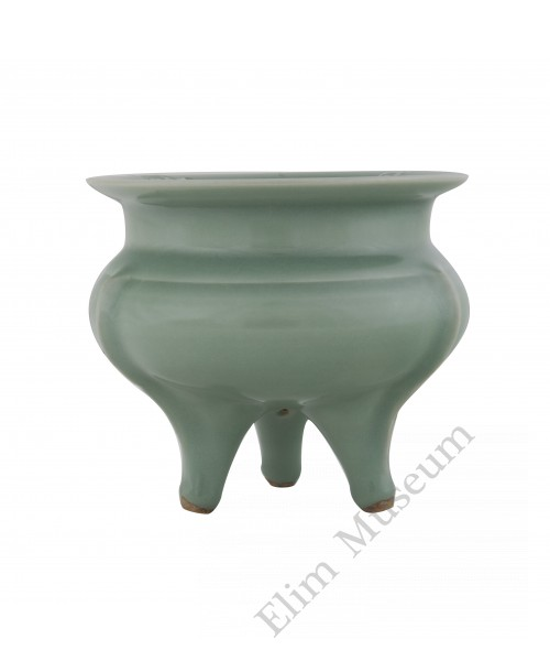 1221 A Song Dynasty Longquan-Ware triple footed insencer