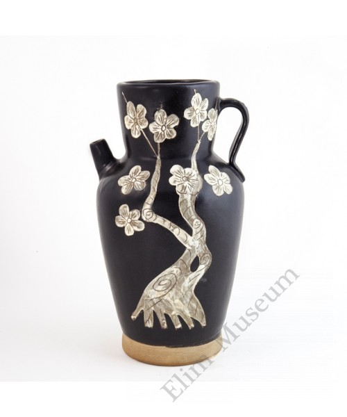 1241 Jizhou-Ware black glaze carved plum water jar