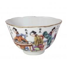 1045  A Tongzhi fengcai bowl with novel figures