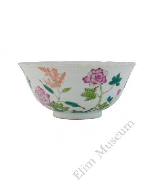 1080   A   Fengcai bowl  with peony and cranes