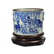 """1051 A  B&W porridge pot on  """" the Eight Horses"""""""