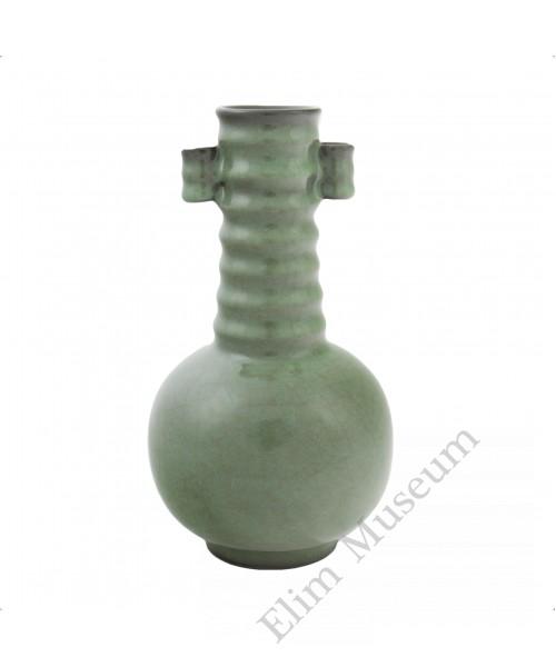 1237  A  Guan-Ware Olive Green Glazed Vase